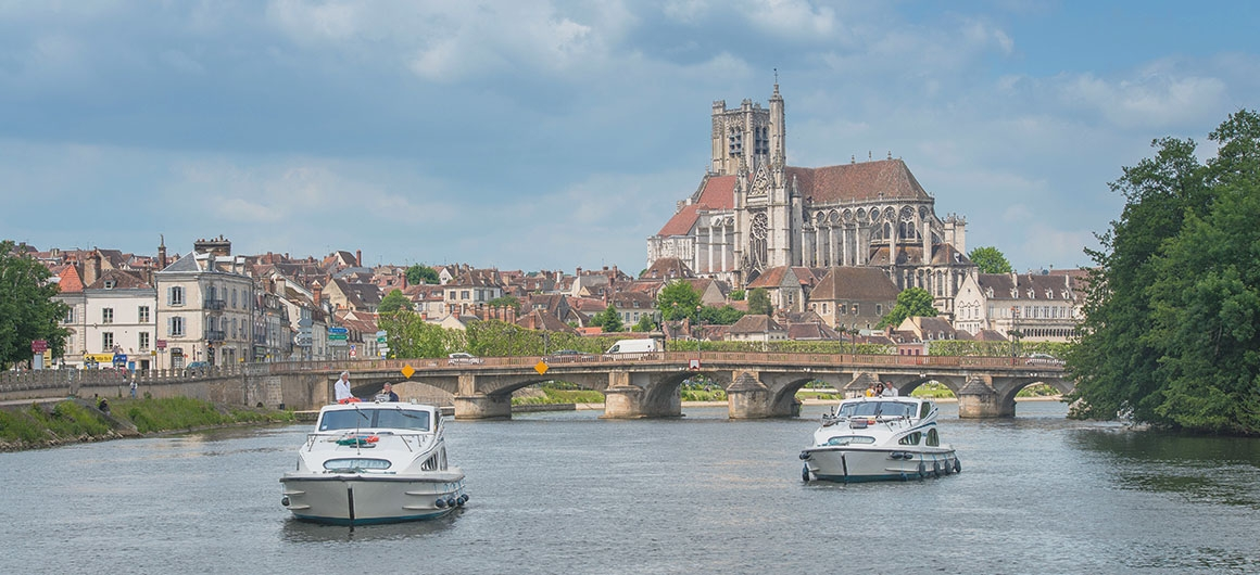 Two Caprices in Auxerre