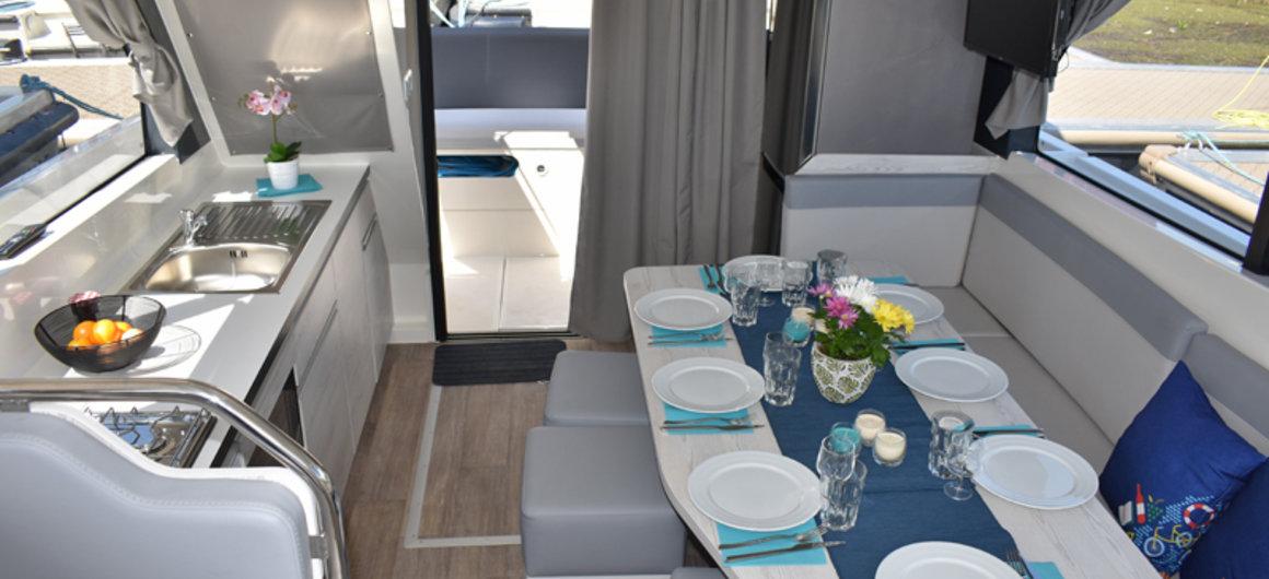 Salon des Hausbootes Horizon 5 von Le Boat